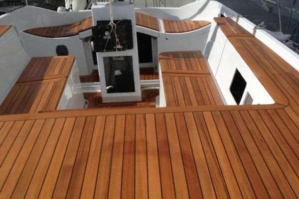 Укладка палубного покрытия на лодки, яхты и катера